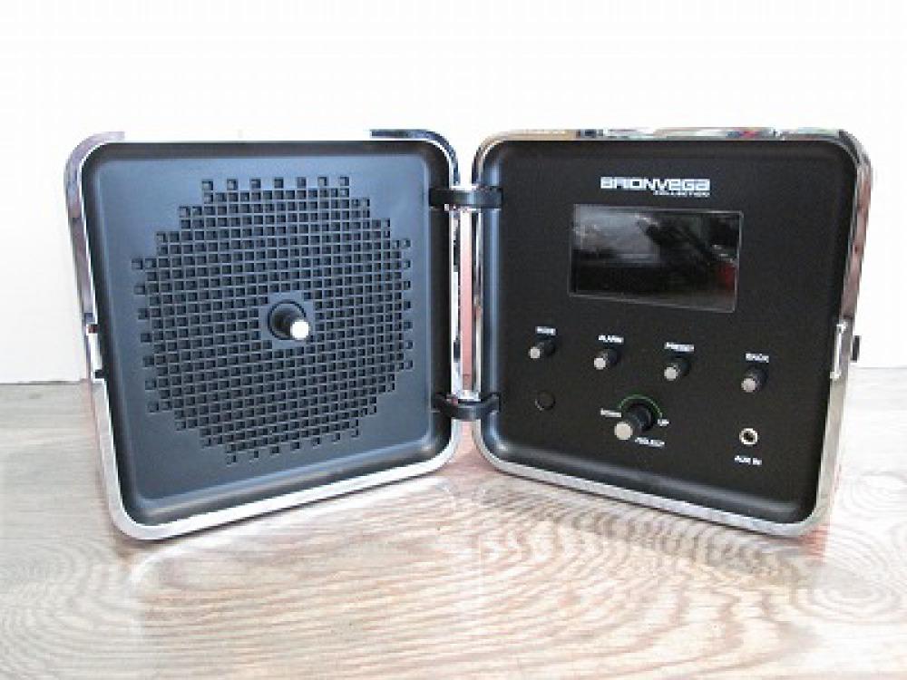 BRIONVEGA TS525ASJ キューブラジオ iPhone iPod 長野県塩尻市 音響機器買取 写真2