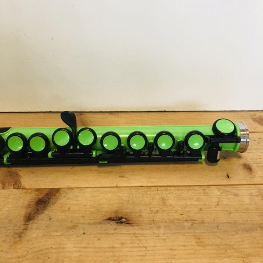 nuvo プラスチック製フルート SE200FGR グリーン ケース付 長野県大町市 楽器買取 写真8