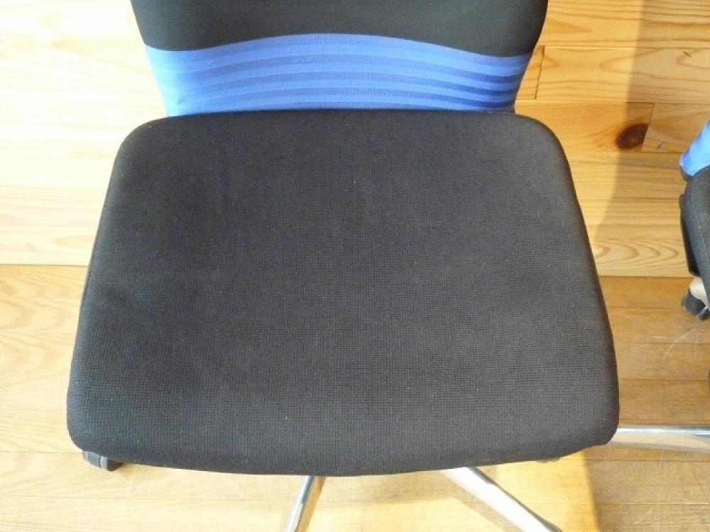 オカムラ オフィスチェア 2脚セット フィーゴ 多機能 事務椅子 ブルー 肘なし 出張買取   長野県長野市 写真5