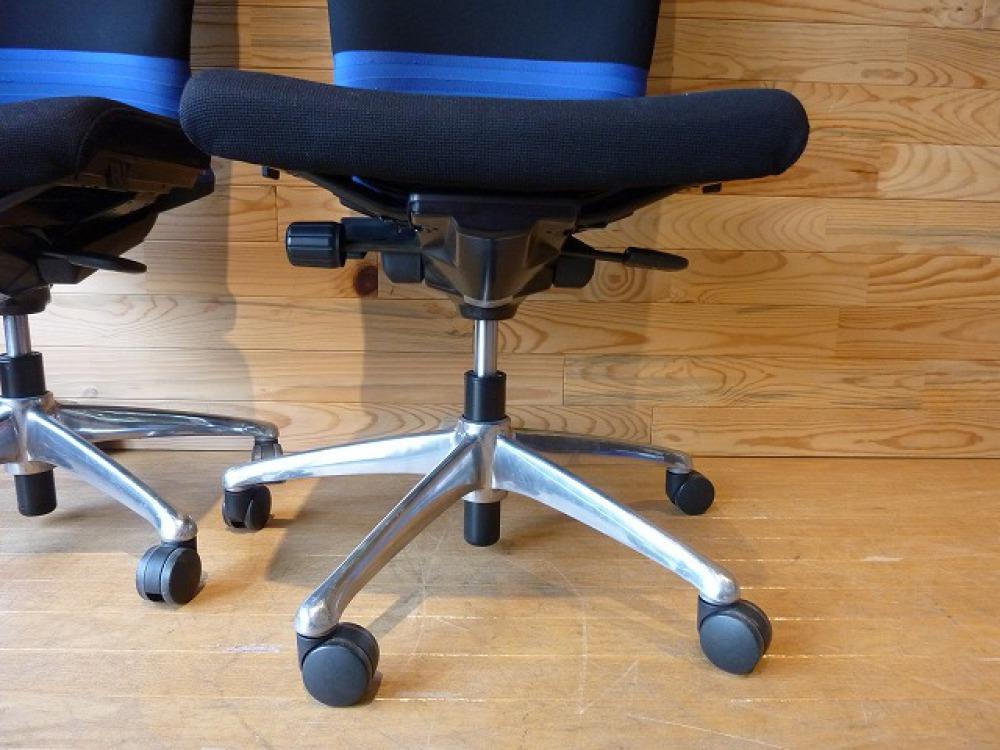 オカムラ オフィスチェア 2脚セット フィーゴ 多機能 事務椅子 ブルー 肘なし 出張買取   長野県長野市 写真9