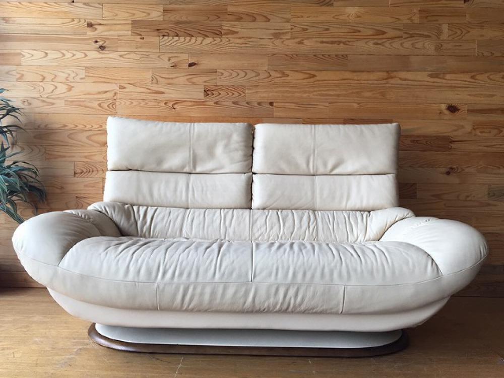 karimoku カリモク 2人掛けソファ 本革張り ZT68シリーズ 2P 長椅子 出張買取 | 長野県諏訪市 写真1
